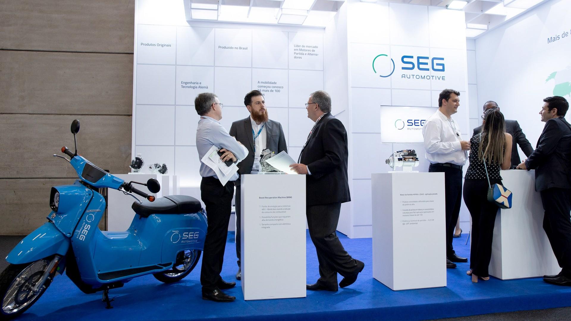 索恩格汽车在巴西Fenatran商用车展览会上展出的Schwalbe电动摩托车