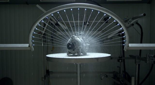 48V Boost Recuperation Machine (BRM) Wassersprühtest