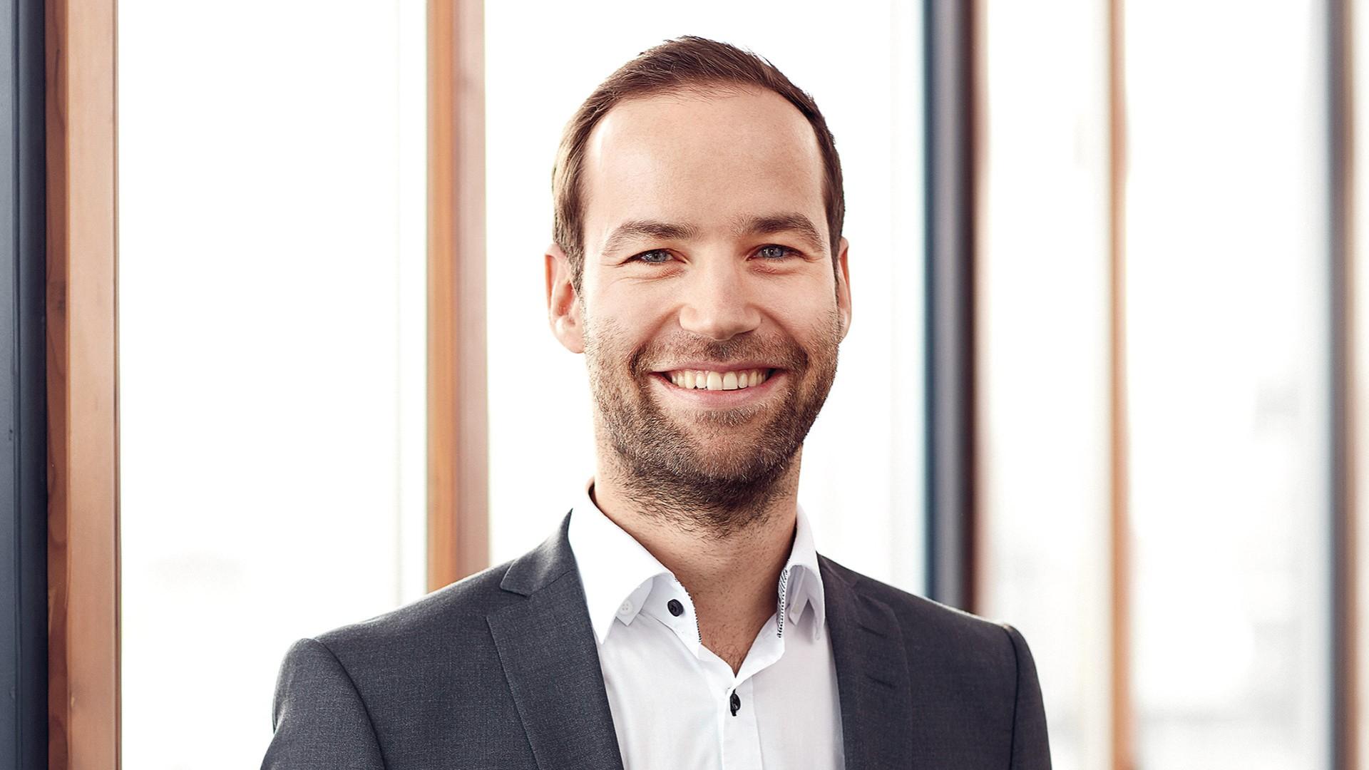 Christoph Hoelzl, Press Officer, SEG Automotive